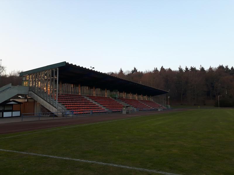 groundspotting stadion hoher busch sportplatzh nger. Black Bedroom Furniture Sets. Home Design Ideas